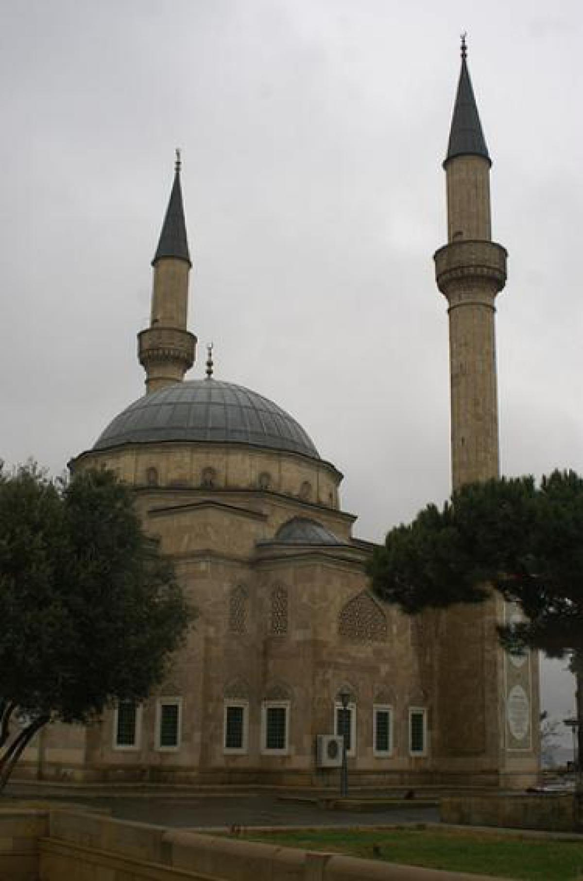 What are the major religions in Azerbaijan ...